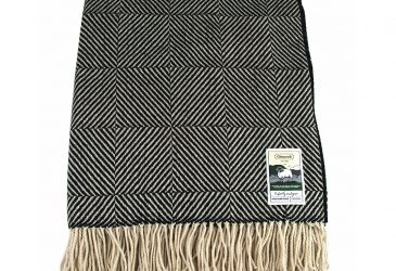 Glencroft travel rug black square herringbone