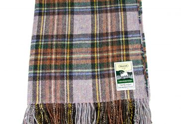 Heather tartan travel rug